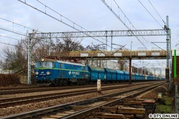 Auch hier ein Güterzug von PKP Cargo mit ET 22.