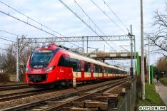 Die SKMWA (S-Bahn Warschau) fährt neben Pesa Elf-Fahrzeugen auch mit Newag Impuls.