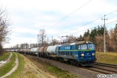 Etwas weiter westlich begegnete uns ein weiterer PKP Cargo-Zug, welcher von einer ET 22 bespannt wurde.