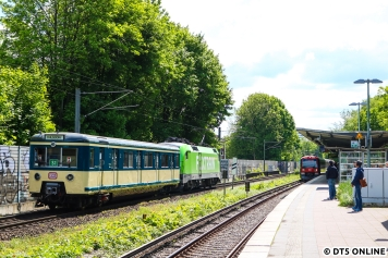 Der Wagen wurde von der S-Bahn Hamburg noch einmal neu lackiert, während er innen bloß gereinigt wurde.