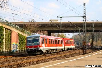 Eines Tages überraschte dieser neu zusammengestellte Zug der BR 628 in Harburg: 628 483 ist seit einiger Zeit mit 928 564 unterwegs.