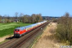 In Altona übernahm die 218 474 der S-Bahn Hamburg den Zug. Hier passiert er die Fotografen in Bekdorf.
