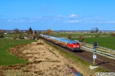 Auch die Rücktour konnte bei bester Sonne festgehalten werden, und zwar kurz vorm Bahnhof Meldorf.